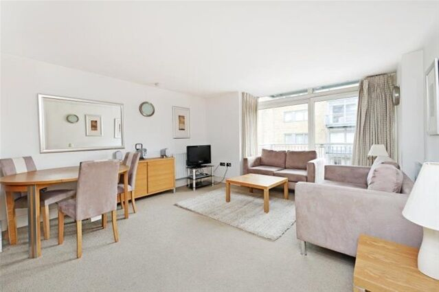 2 bedroom flat in Gainsborough House, Cassilis Road, Canary Wharf