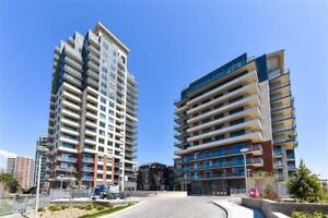 LUXURY CONDO IN THE HEART OF THE CITY!