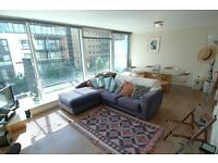 2 bedroom flat in Boardwalk Place, Canary Wharf