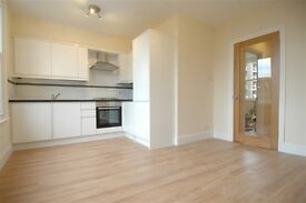 2 bedroom flat in Bromar Road, East Dulwich