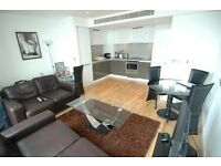 1 bedroom flat in Landmark West Tower, Marsh Wall, Canary Wharf