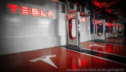 Tesla Supercharger in einer Tiefgarage in London