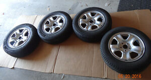 Michelin X-Ice3 winter tires 215/60/16 with Rims (almost New)