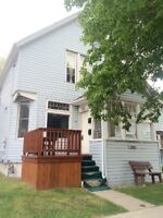 Attention Investors! Duplex with 2 Rentable Units