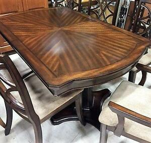 Dining Table Set with 6 chairs and 2 leafs