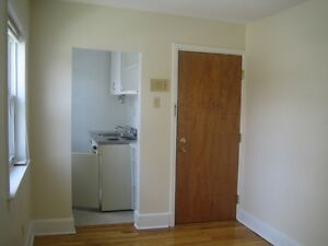 444RENT-1 Bed Close on Spring Garden. Everything Inc!Avail SEPT!