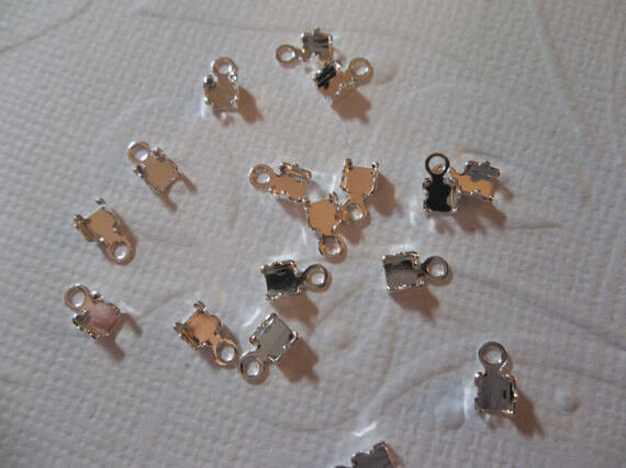 10 Silver Plated Rhinestone Chain Connectors Crimps 3mm Size for 2mm Size Chain