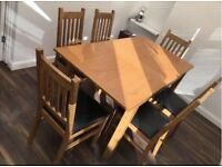 Extendable oak veneer dining table & 6 chairs
