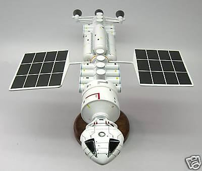 Meta-Probe Space 1999 Handcrafted Spacecraft Wood Model Large New
