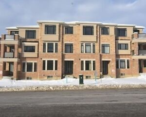 Brand New 3 Storey 2732 Sqft Town Home*9' Ceilings
