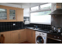 //WOW WOW 4 DOUBLE BEDROOM DUPLEX APARTMMENT SHORT WALK TO TUBE & DLR E1\\