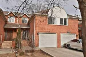 Oakville 2 Bdrm Freehold Townhome - Reno'd From Top To Bottom!!