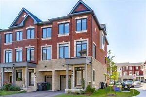 Executive End-Unit Townhome in Cooksville Mississauga
