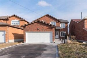 4 Bedroom Beautiful Detached House for Rent in Maple