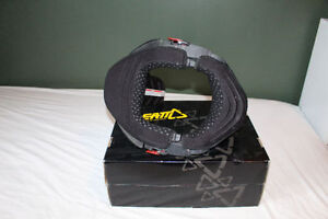Leatt Brace **Like NEW**