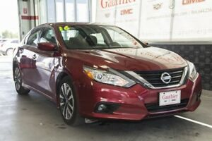 2016 Nissan Altima 2.5 S, Sunroof, Heated Seats,Remote start