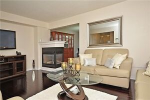 Excellent Opportunities To Own Spectacular Free Hold Town Home. Oakville / Halton Region Toronto (GTA) image 7