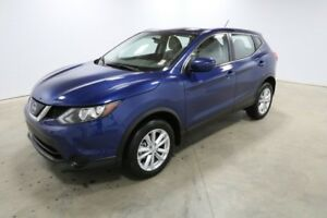 2018 Nissan Qashqai AWD S CVT Bluetooth, Back Up Camera,  Heated