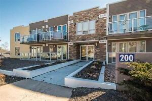 Fantastic 1 bedroom Bachelor condo with in unit laundry!