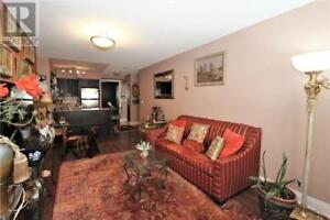 Spacious,Well Maintained,1+1Beds,1Bath,20 NORTH PARK RD, Vaughan