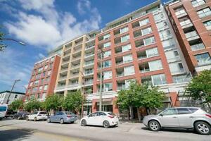 SPACIOUS 2 Bedrooms condo in Mount Pleasant converted to a 1 Bed