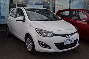 2015 Hyundai i20 PB Active White Automatic Strathmore Heights Moonee Valley Preview