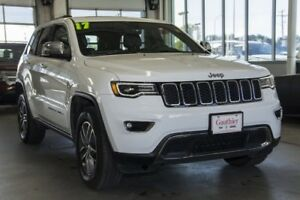 2017 Jeep Grand Cherokee Limited 4x4 Sunroof, Navigation