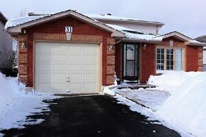 Detached 3 bedroom house in South Barrie