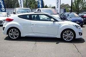 2016 Hyundai Veloster FS4 Series II SR Coupe D-CT Turbo White 7 Speed Sports Automatic Dual Clutch Kings Park Blacktown Area Preview