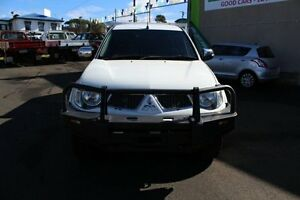 2013 Mitsubishi Triton MN MY13 GLX-R Double Cab White 5 Speed Manual Utility