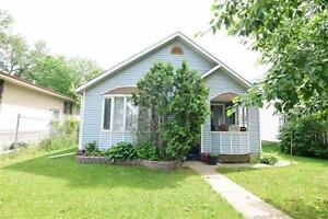 FiRSt TimE BUYerS!! 2 Bdrm Renovated Bungalow!!