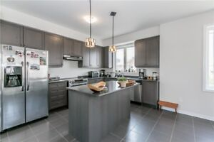 Fantastic Modern Townhome In Kndy/Mfld Caledon!