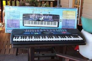 """Casio piano Keyboard and with a  boom box loud speaker Woodburn Richmond Valley Preview"