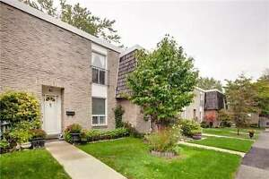 2-Storey Condo Townhouse 3+1 Bed / 3 Bath, Hrdwd Flr T/Out