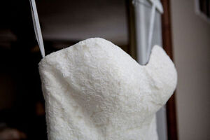 Essence Of Australia, D1520, Size 6 Wedding Dress
