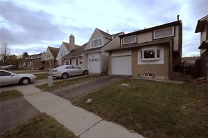 BEAUTIFUL 3 BR DETACHED HOME CLOSE TO THE LAKE IN AJAX!