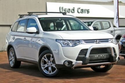 2012 mitsubishi outlander zj my13 aspire 4wd white 6 speed sports 2012 mitsubishi outlander zj my13 aspire 4wd white 6 speed sports automatic wagon cars vans utes gumtree australia morphett vale area lonsdale fandeluxe Image collections