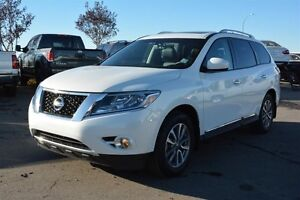 2014 Nissan Pathfinder SL AWD LEATHER ROOF Leather,  Heated Seat