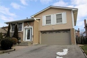 3+1bedroom house(Thickson/dundas,Whitby) for rent start May 1