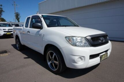2009 Toyota Hilux GGN15R MY09 SR5 Xtra Cab 4x2 White 5 Speed Automatic Utility Cardiff Lake Macquarie Area Preview