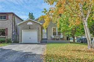 BEAUTIFUL DETACHED CORNER LOT IN WHITBY!!! 3BED 2BATH