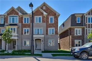 3BR EXECUTIVE TOWNHSE IN OAKVILLE FOR RENT