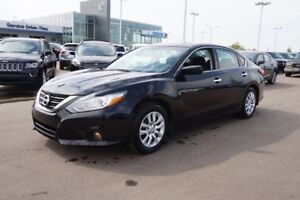 2016 Nissan Altima 2.5S Accident Free,  A/C,