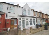 STUNNING FOUR BEDROOM HOUSE ENFIELD EN3 WORKING DSS WITH RENT AND DEPOSIT WILL BE CONSIDERED