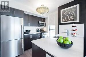 Luxury 1 Bd - Apr 1 - Free Parking/Free Fitness! Yonge/Eglinton