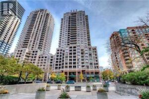 Prime Location Corner Unit,3Beds,2Baths,909 BAY ST, Toronto