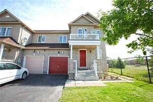 Freehold 4bed/3bath townhouse.Wanless and queen