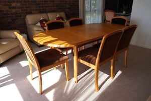 Parker Furniture Extendable Dining Table + 6 Chairs Set Wheelers Hill Monash Area Preview