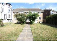 Studio flat in Lawrie Park Crescent, Sydenham