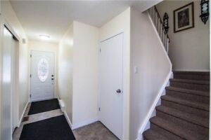 3 + 2 Bedrooms House for sale